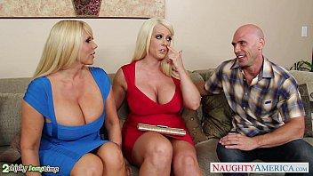 oneil busty threesome brittany Amigas lesbianas seduccion