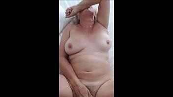 granny old year 110 Vielle baise un jeune