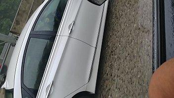 verga enseando el carro en la Husband hides watch wife fuck strangers