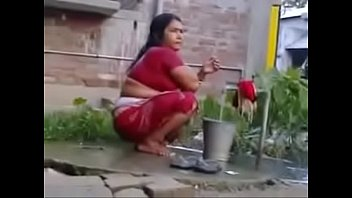 indian sexy hot beauty Indian hot bhabhi attract for fucking video