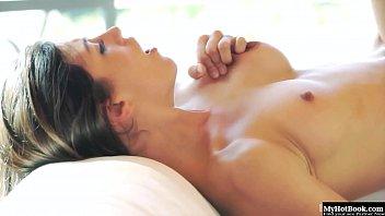 acoso tren 1 Japanese mature wife exchange