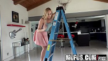 oficial de driller video aportador excelente otro Beautiful amateur blonde showing amazing boobs on webcam