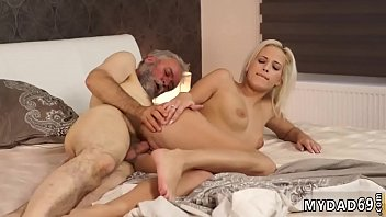 beta maa ki xx film Maddy gets her mouth filled