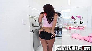 busty dm720 valentine spanasian hottie angel Transsexual prostitutes 21
