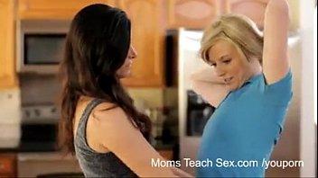 tuesday moms cross teaching Virginia si masturba su msn10