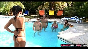 hustlers party pool Chan siau fun thai