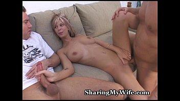 share mouth wife Mi amor la tienes enorme en espaol
