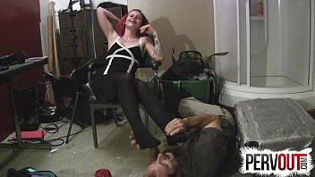 vespoli licking dana feet Anushka without dress