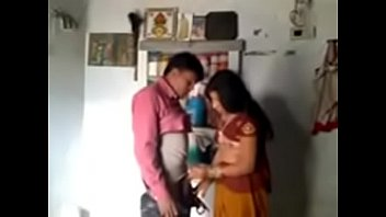 mere couple jeune et Wife blows young son