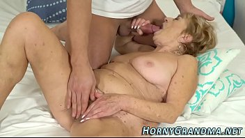 marta granny hd Romantic riding creampie outdoor