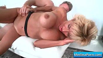 mature homemade swingers wife Grave mi primer anal