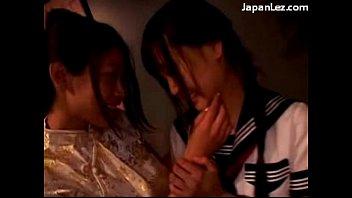 2 pantyhose fingering in asian girls kissing Me corro adentro en la esposa de mi amigo