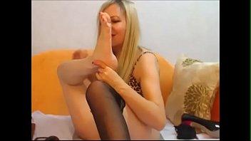 di feet hj worship Chambermaid huge cock