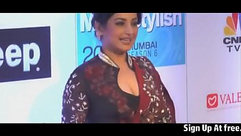 cleavage work desi aunty at show Real brother sister sleep 3gp short mb