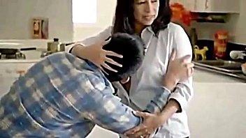 japanese boy mom hot young with Blondine aufgegabelt nach ankunft