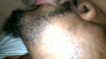 my ebony suck pussy Mostrando pene a la sirvienta