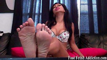 feet worship mistress maroe size 10 Vanesa de bambu formosa10